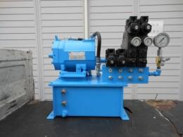 マニホールドを増設した既存品油圧ユニット